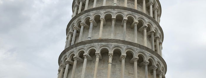 Torre de Pisa is one of Lugares favoritos de Aleksandr.