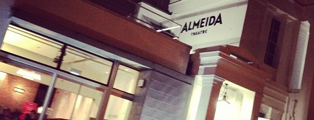 Almeida Theatre is one of Orte, die Jon gefallen.