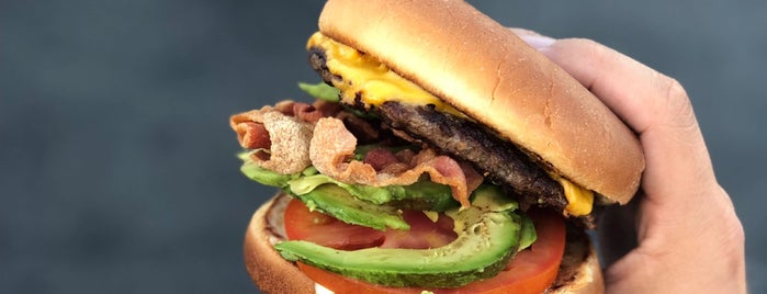 Howard's Famous Bacon & Avocado Burgers is one of Lunch Break.
