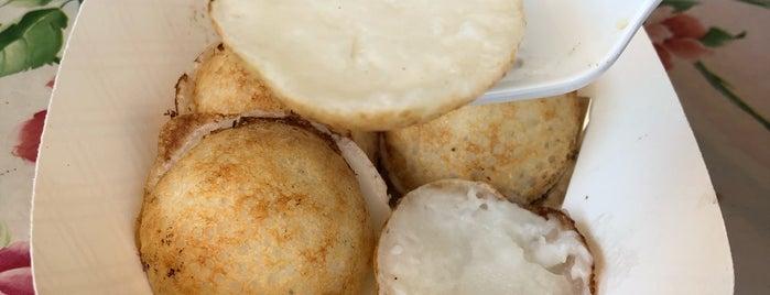 Mama Mae Ting's Coconut Cakes is one of La La Land.