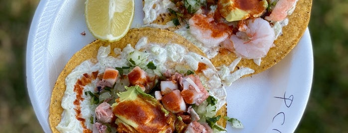 El Mar Azul Seafood Truck is one of RIX L.A. Eatin'.