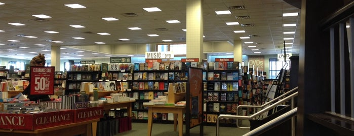 Barnes & Noble is one of Denver Trip Indoor Ideas.