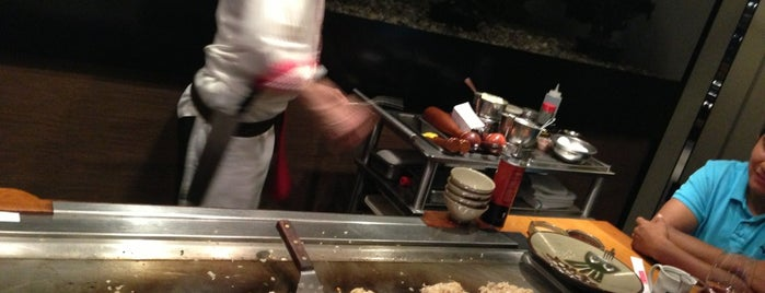 Benihana is one of Lugares favoritos de Andrew.