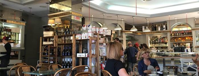 Caffè Fontana is one of Orte, die Can gefallen.