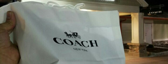 Coach Men's Factory Outlet is one of Posti che sono piaciuti a Santiago.