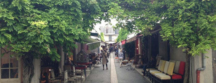 Marché aux Puces de Saint-Ouen is one of Mujdatさんのお気に入りスポット.