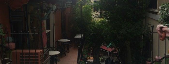 Cezayir Sokağı is one of Orte, die Yeliz gefallen.