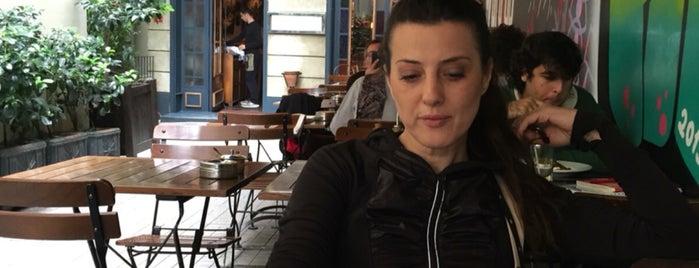 Ara Kafe is one of Tempat yang Disukai Yeliz.