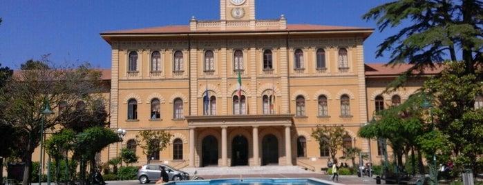 Piazza Della Repubblica is one of Public WiFi Hotspot Emilia Romagna.