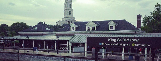 King Street - Old Town Metro Station is one of Locais curtidos por Lianne.