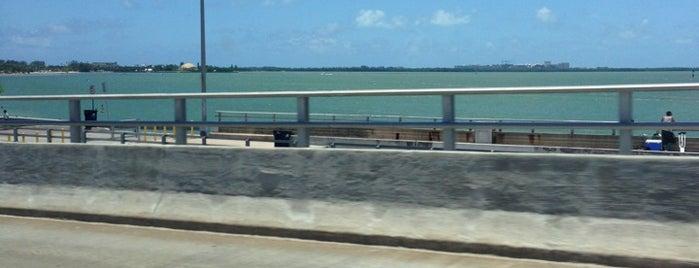 Rickenbacker Bridge is one of Posti che sono piaciuti a Luis.