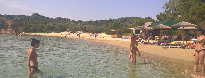 Tsougkria Beach is one of Orte, die Lamprianos gefallen.