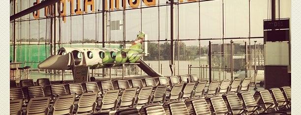 Aeropuerto de Colonia/Bonn Konrad Adenauer (CGN) is one of Airports Europe.