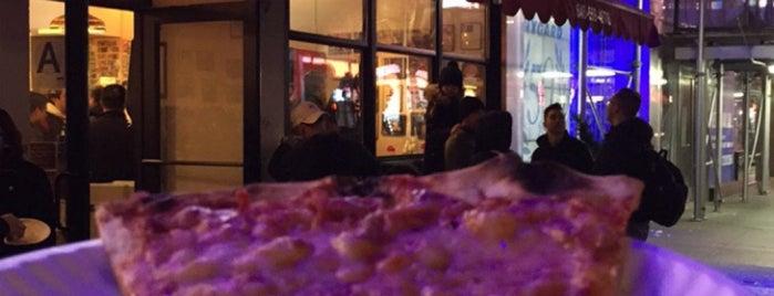 Joe's Pizza is one of Lieux qui ont plu à Salman.