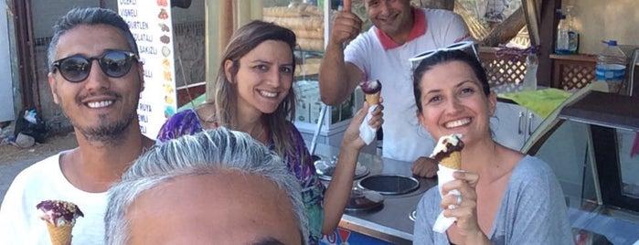 Tekin Usta Dondurma is one of Ahmet : понравившиеся места.