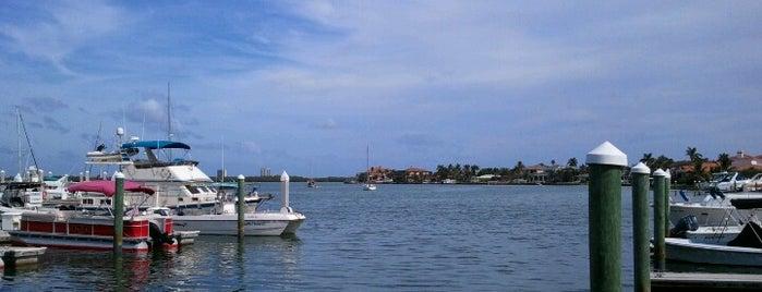 Marco Island, FL is one of Jan'ın Beğendiği Mekanlar.