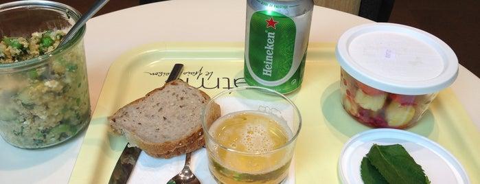 Eat Me is one of Healthy & Veggie Food in Paris.