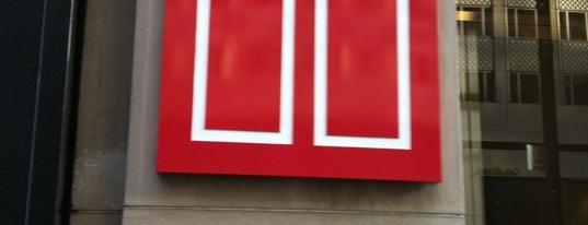 Elizabeth Arden Red Door Spa is one of Locais curtidos por Marie.