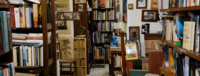 Open Door Bookshop is one of Roma.