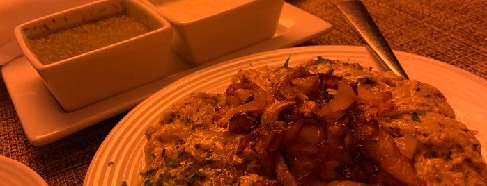 Ravagh Persian Grill is one of Francis 님이 좋아한 장소.