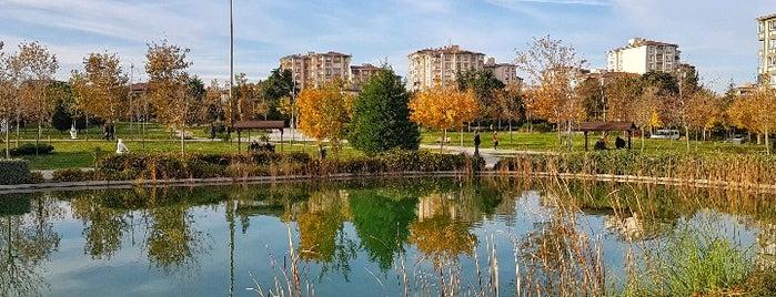 Büyük Atatürk Parkı is one of Posti che sono piaciuti a Seval.