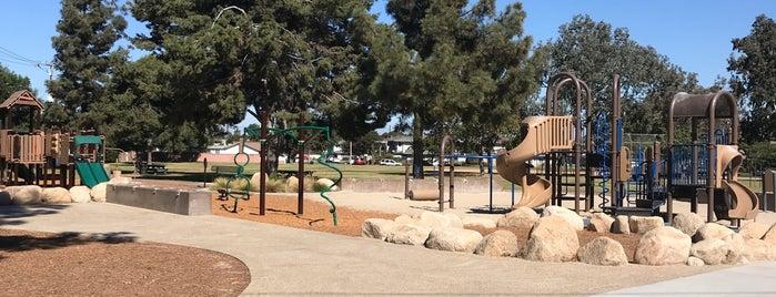Smallwood Park is one of Tamie'nin Kaydettiği Mekanlar.