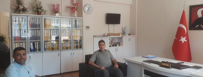 Aksu Anadolu Lisesi is one of Gittiğim ve gideceğim yerler.