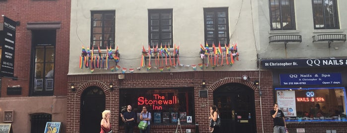 Stonewall Inn is one of Posti che sono piaciuti a David.