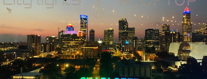 City Lights Rooftop Bar is one of Orte, die Lauren gefallen.