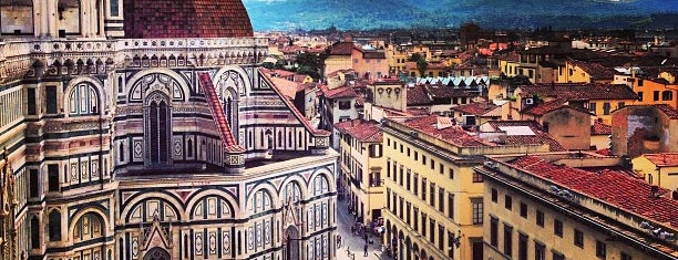 Plaza del Duomo is one of Florence.