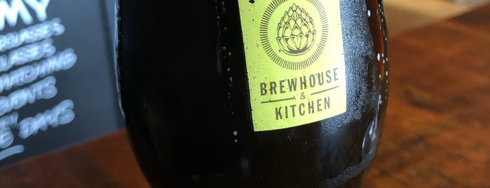 Brewhouse & Kitchen is one of Lieux qui ont plu à Carl.