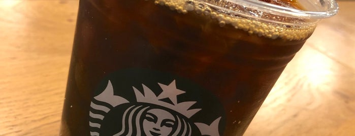 Starbucks is one of Ivanさんのお気に入りスポット.