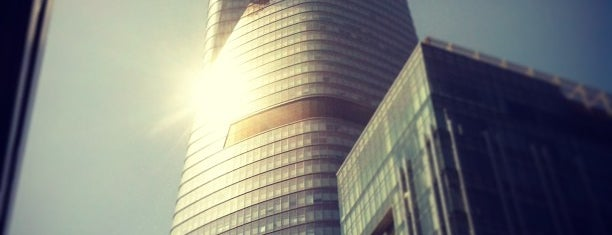 Bitexco Financial Tower is one of Bulent : понравившиеся места.
