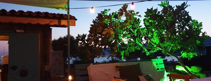Eren Konukevi Restoran Cafe is one of Onder'in Beğendiği Mekanlar.
