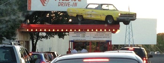 Village Cinemas (Drive-In) is one of Orte, die Cookie gefallen.
