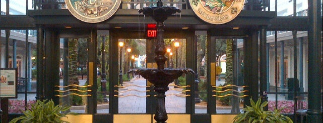 Disney's Port Orleans French Quarter Resort is one of Orte, die Lindsaye gefallen.