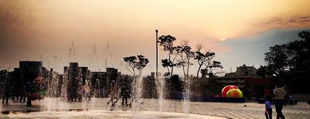 Parque Morelos Bicentenario is one of Locais curtidos por Victoria.