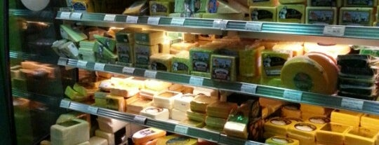 Wisconsin Cheese Bar is one of Must See Things In Milwaukee.