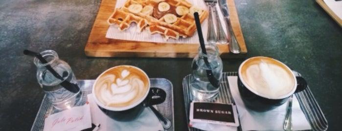 Woodpecker Coffee is one of Christabelle 님이 좋아한 장소.