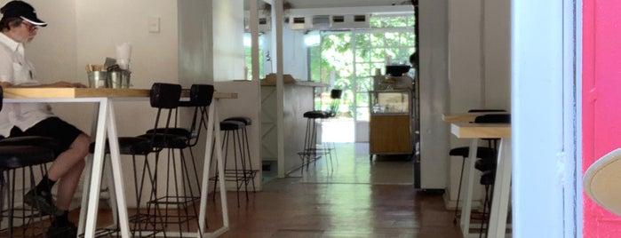 PortaCafé is one of Locais curtidos por Johannes.