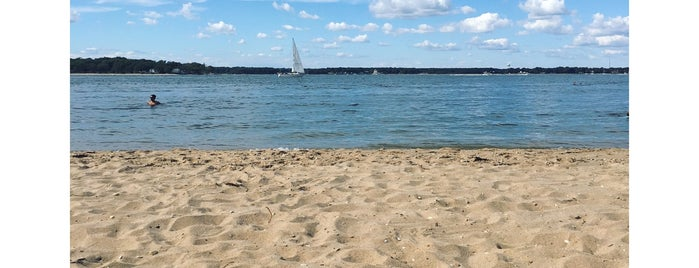 Crescent Beach is one of Shelter Island.