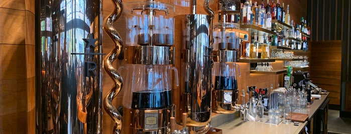 Starbucks Reserve Roastery is one of Lieux qui ont plu à Brent.