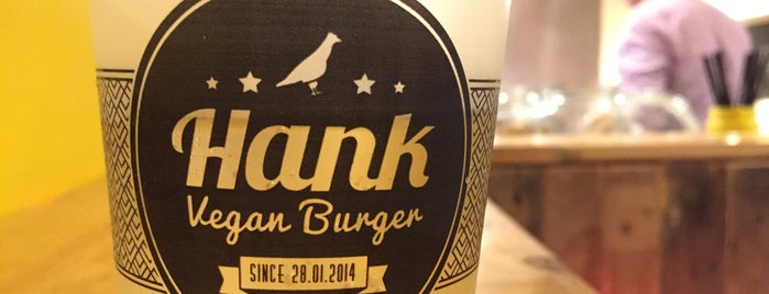 Hank Burger is one of Paris To Do List.