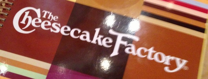 The Cheesecake Factory is one of Lieux qui ont plu à Melanie.