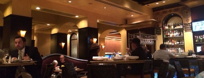 Grand Lux Cafe is one of Cadyさんのお気に入りスポット.
