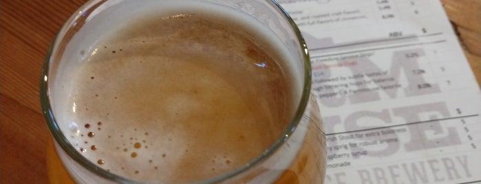 Farm House at Breckenridge Brewery is one of Ⓔⓡⓘⓒ'ın Beğendiği Mekanlar.
