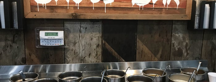 Smokey Mae's BBQ is one of Lieux qui ont plu à katy.