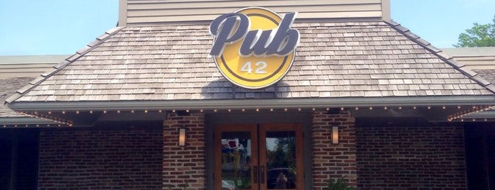 Pub 42 is one of Locais curtidos por Brooke.