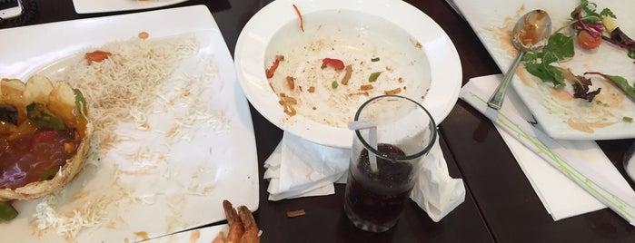 Japengo Cafe is one of Tempat yang Disukai Omar.