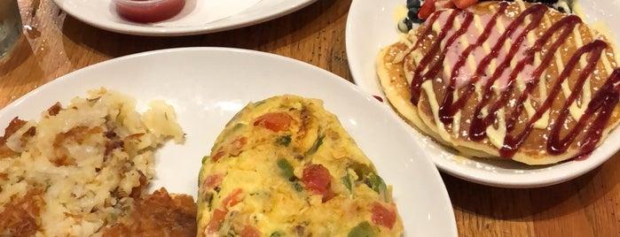 Wildberry Pancakes & Cafe is one of Omar'ın Beğendiği Mekanlar.